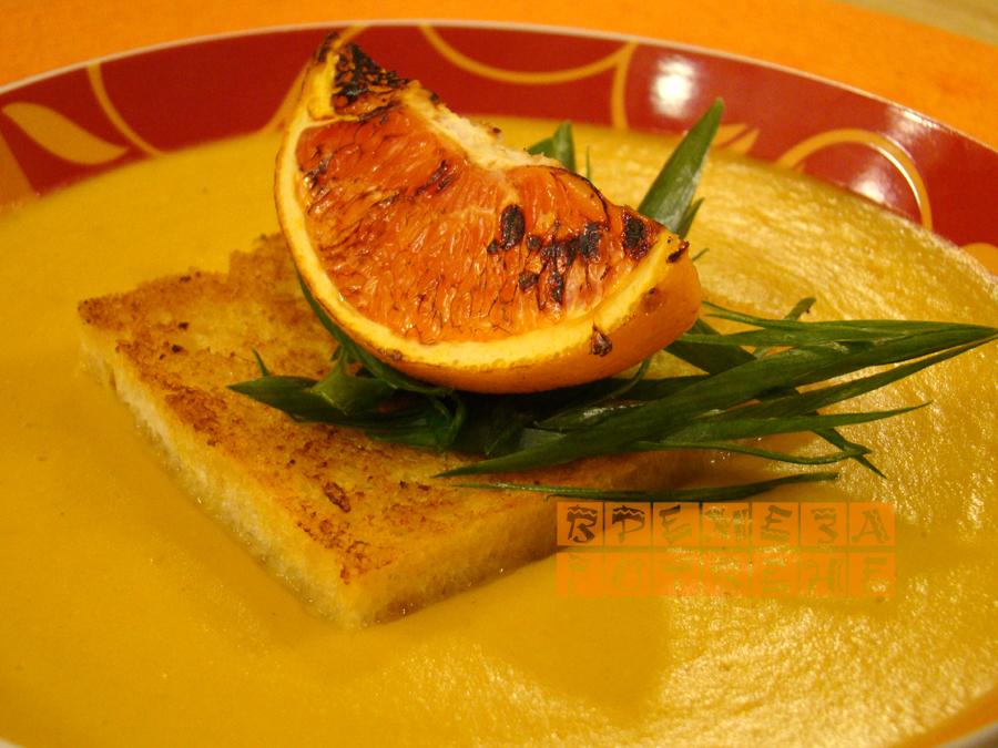 Супа с моркови , тиква и червена леща