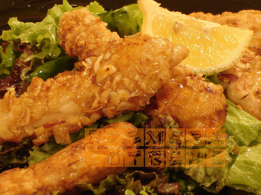 Пилешки филета с лешници
