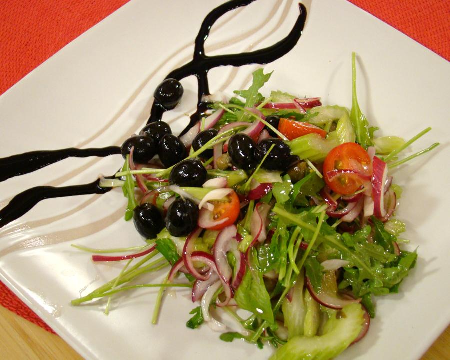 Сицилианска салата с рукола и каперси