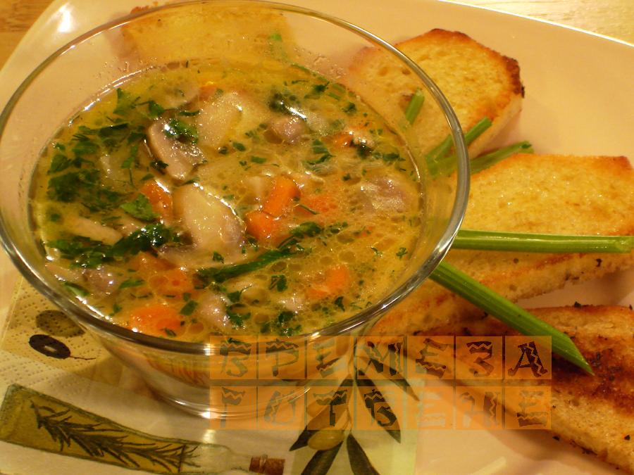 Супа от гъби с кростини