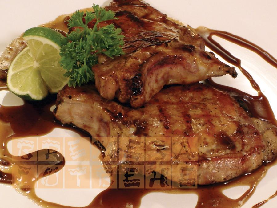 Свински пържоли на грил с джинджифилово-медена глазура